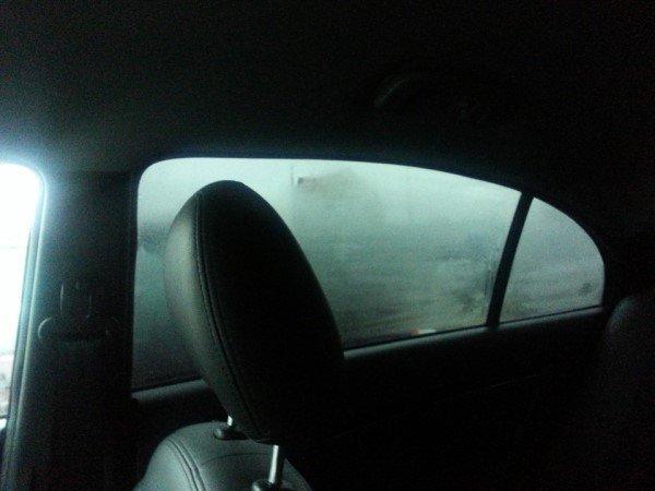 Почему потеют задние стекла в машине изнутри что делать